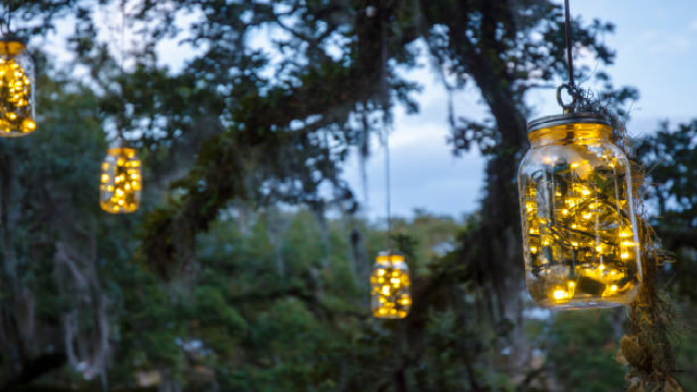 Hanging glowy mason jars