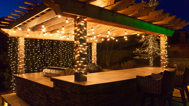 Hanging pergola lights